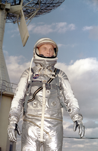 first astronaut to orbit earth - photo #26
